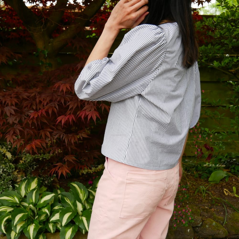 Side view of Norma in organic cotton poplin