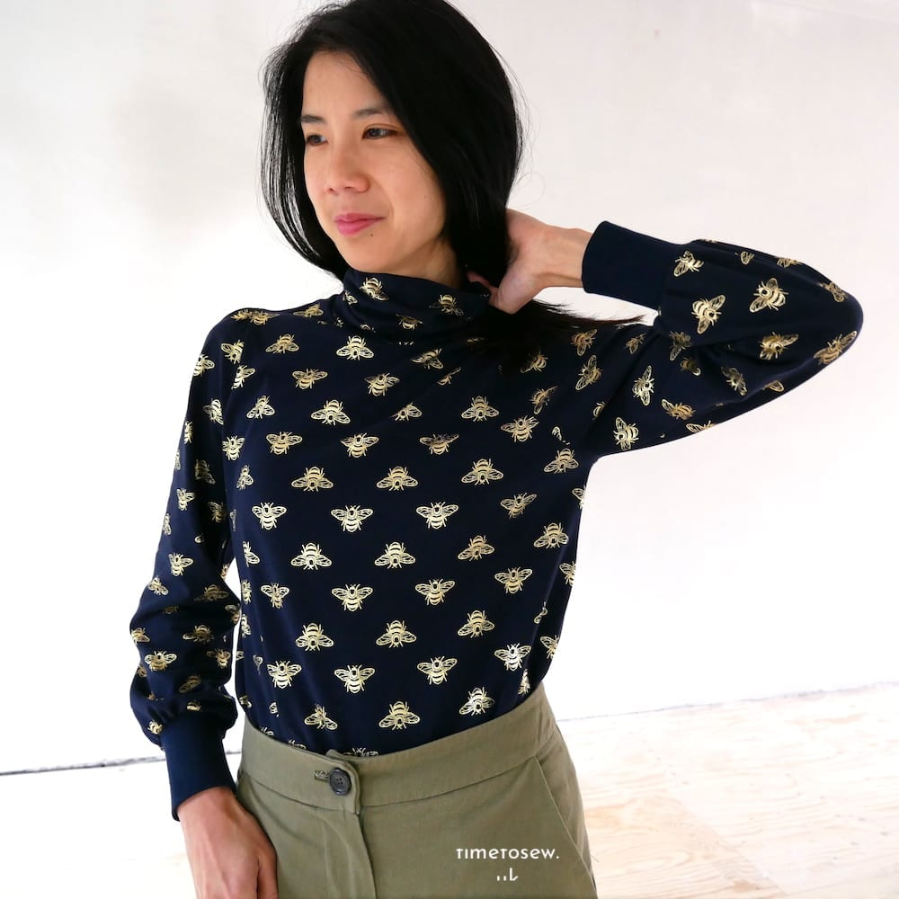 Fibre Mood Daniella pattern, fabric is navy with gold foil bees