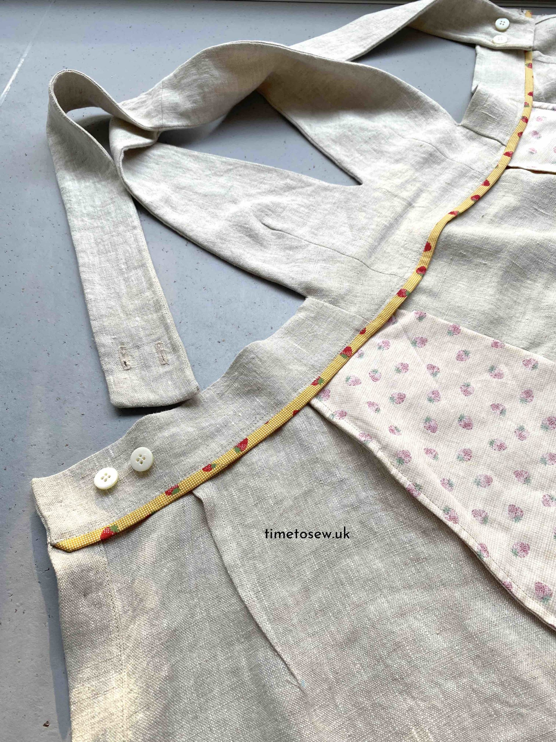 Peppermint Milton pinafore insides showing a clean finish.